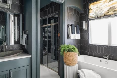 Pictures of the HGTV Smart Home 2019 Master Bathroom