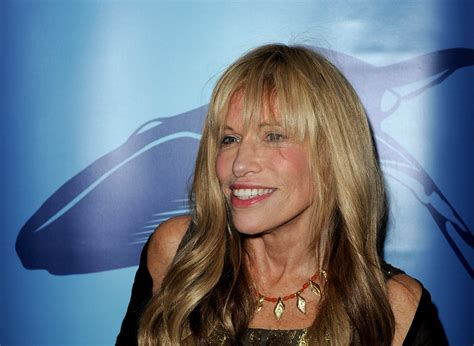 """Carly Simon uses """"You're So Vain"""" in anti-Trump video"""