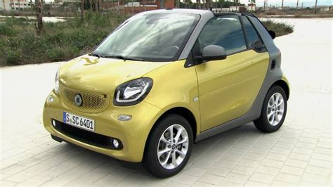 Smart fortwo cabrio black-to-yellow and graphite grey