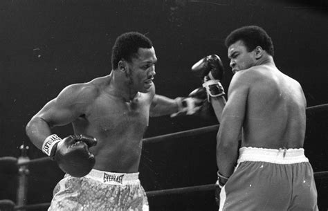 Joe Frazier dies, loses battle with liver cancer over 40