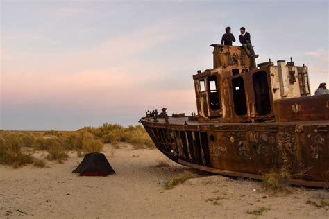 A guide to Moynaq and the Aral Sea in Uzbekistan - Against
