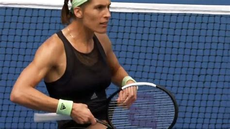VIDEO - US Open 2019 | Andrea Petkovic zeigt ihr Sixpack
