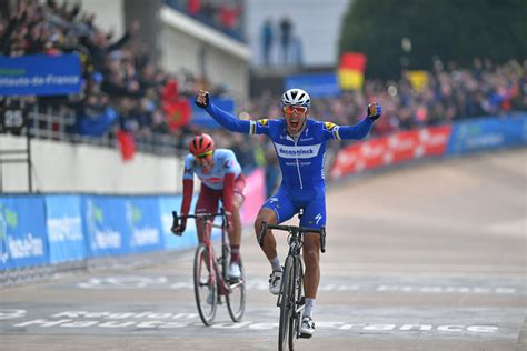 Gilbert wins Paris-Roubaix, his fourth Monument, to join