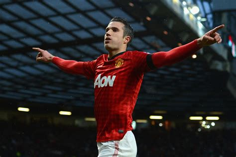 Robin van Persie claims Arsenal never offered him new deal