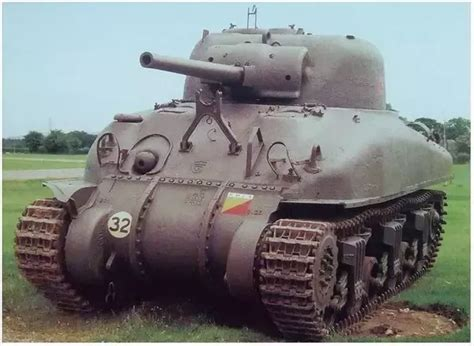 How to call Sherman M4A3E2 in WWII? Jumbo or Dumbo? Does