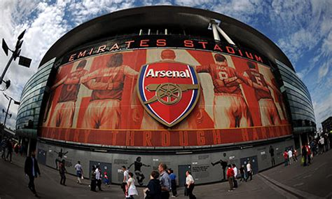 Arsenal's new Emirates sponsorship deal to fund transfers