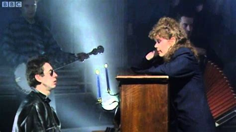 Fairytale Of New York - The Pogues & Kirsty MacColl - Top