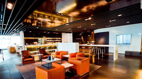 10 of the world's top airport lounges - CNN