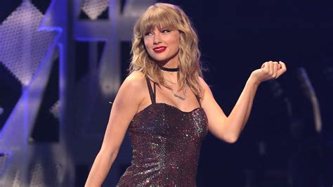 """Taylor Swift Revealed the One """"Lover"""" Lyric That Was"""
